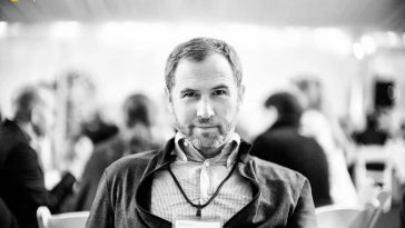 Ripple CEO'su, PayPal'ın kripto alanına girişini eleştirdi